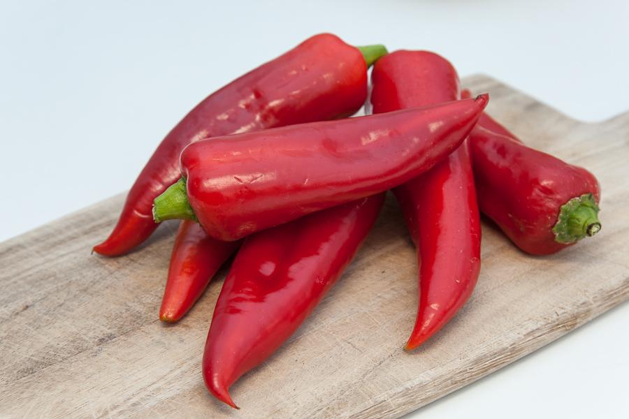 Fresh bio red sweet peppers (kilo)