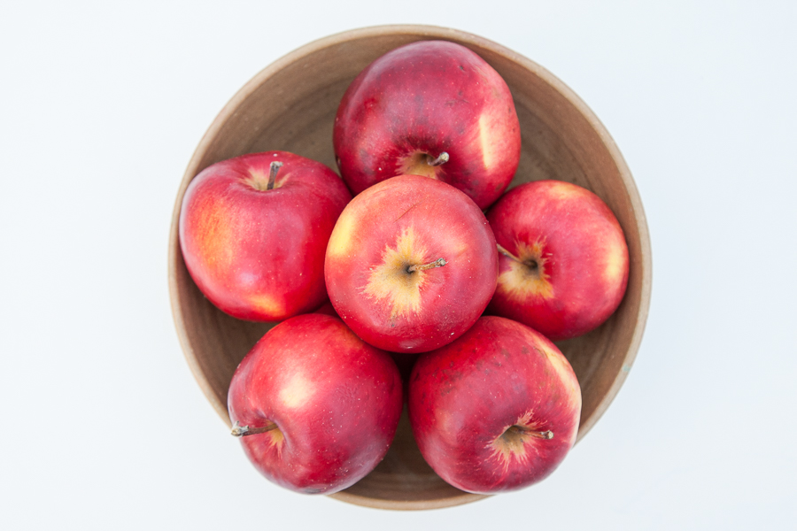 Fresh organic apples (per kilo)