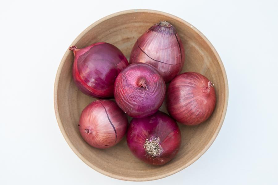Bio red onion (per kilo)