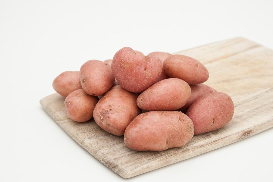 Organski mladi crveni krompiri (pakovanje 1kg)