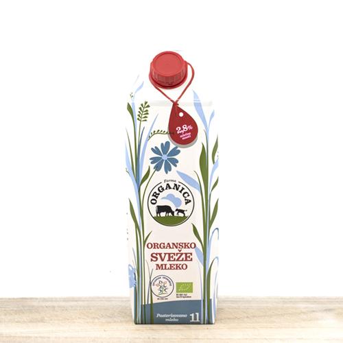 Organic fresh cow milk 1liter